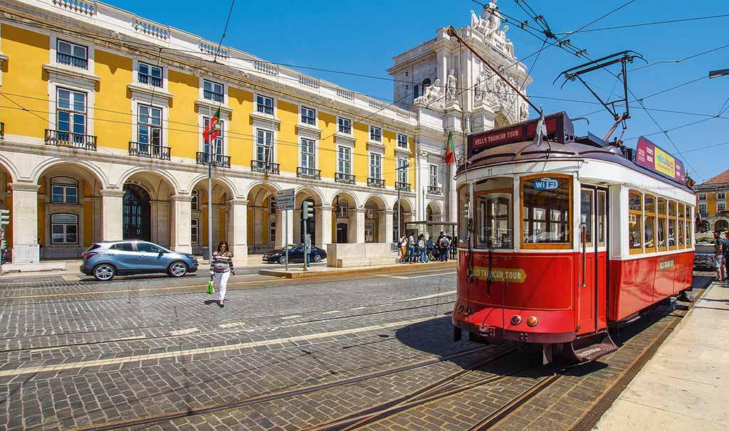 Lisbona e i suoi fantastici trenini di latta