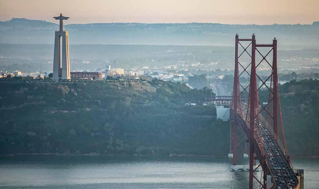 Lisbona sa di Oceano e di Africa
