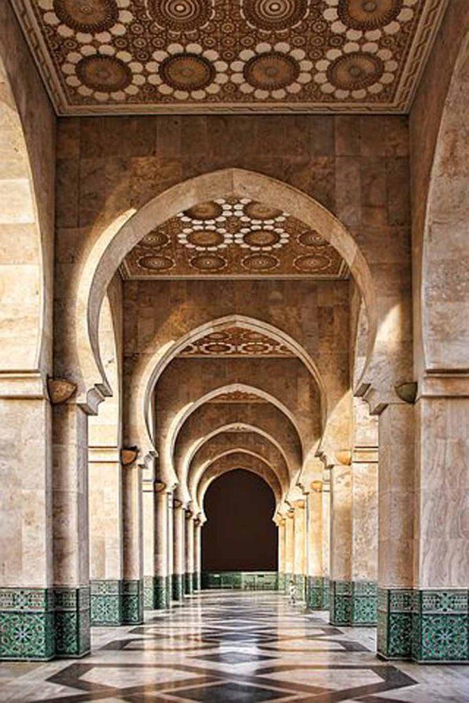 l'affascinante Marocco delle dune, delle oasi, delle kasbah e delle città imperiali