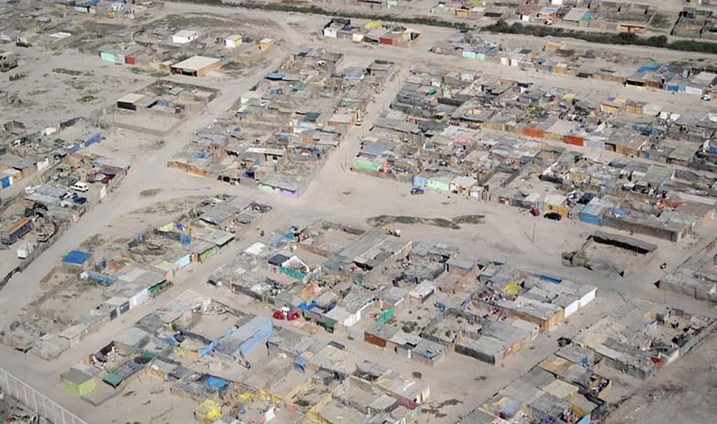 una immensa baraccopoli di 600.000 persone