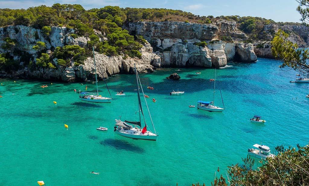 Il senso del turismo per Minorca: Più natura che movida