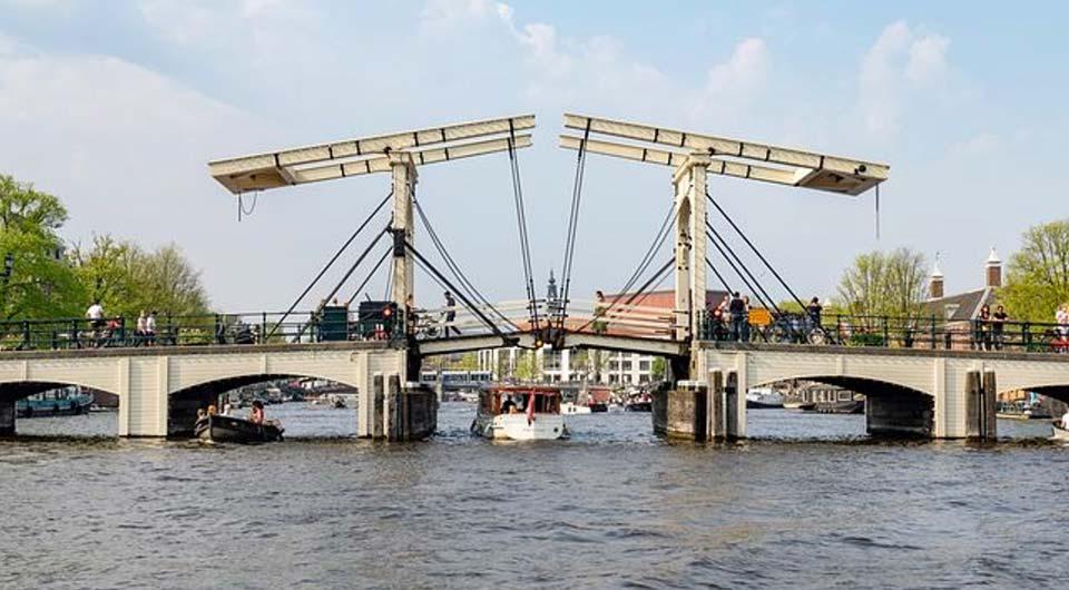 Gli olandesi sono davvero come un ponte tra più culture e più razze.
