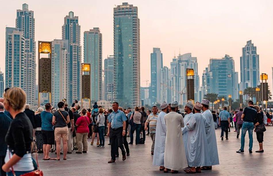 Dubai è il regno dei Record. Record di grattacieli costruiti in pochissimo tempo. Record di altezze ...