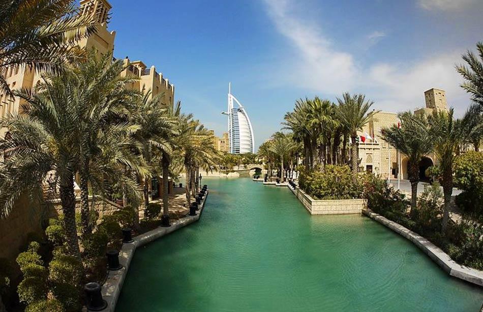 In fondo a Dubai è bastato seguire i suoi sogni di riempire in mille modi il suo spazio deserto.