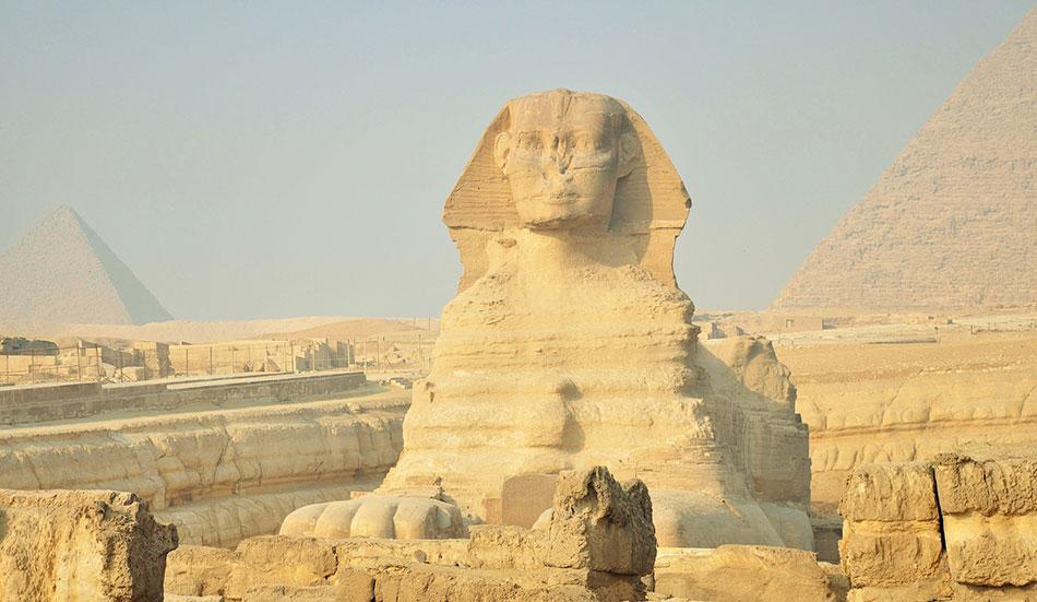 luoghi magici che ancora oggi trasmettono un mondo unico, dalle Piramidi al Museo Egizio, alla Sfinge