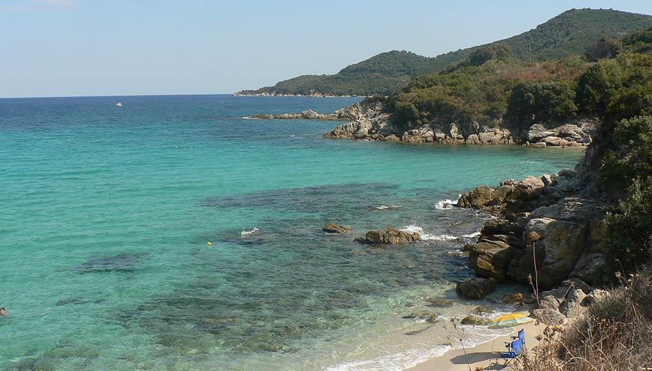 Il mare è davvero molto bello, con spiagge più o meno lunghe di sabbia