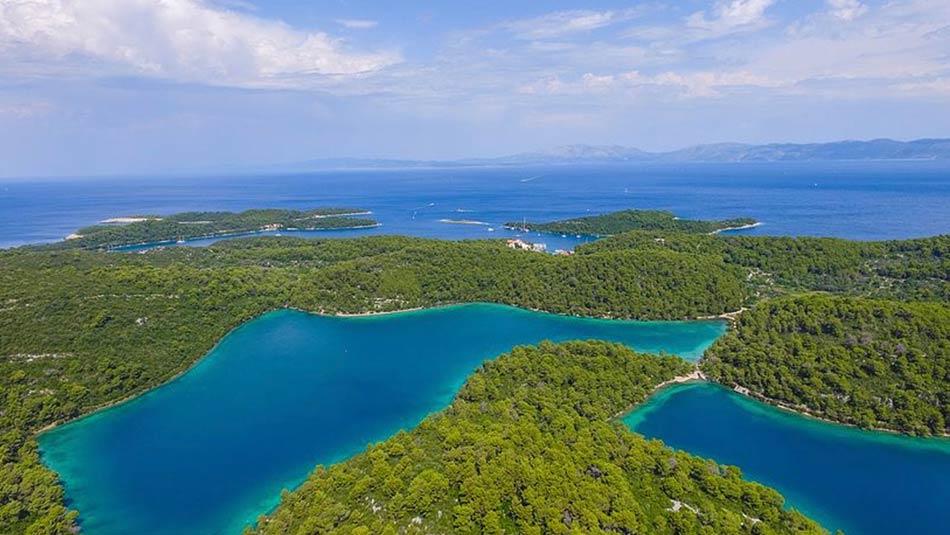 questa incantevole isola fu chiamata dai greci Melita