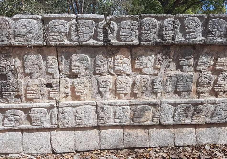 Le pietre di Chichen Itzà raccontano in modo incredibile tutto il suo avventuroso passato.