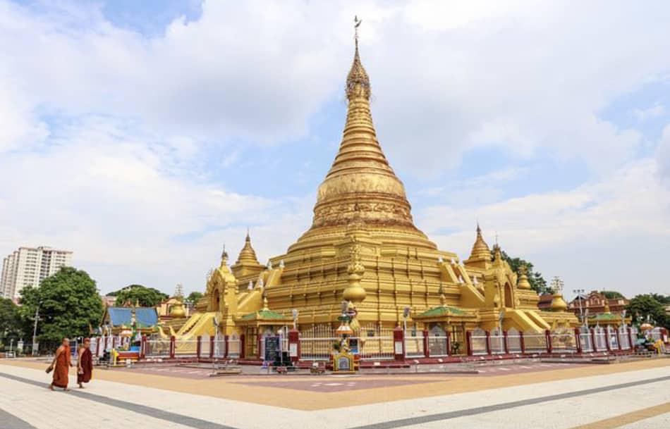 Mandalay è senz'altro la capitale culturale, artistica e religiosa della Birmania