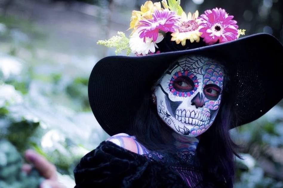 La celebrazione commemora i defunti per tipo di morte ed età