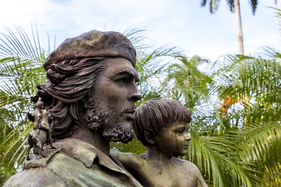 """il Mausoleo """"Comandante Ernesto Che Guevara"""""""