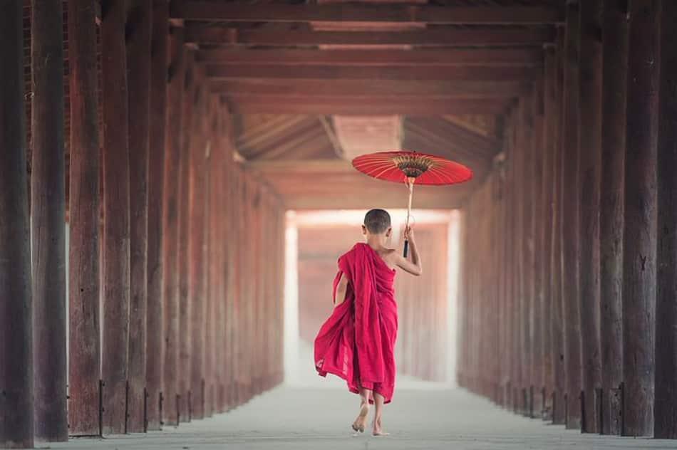 Birmania: pagode, sorrisi e solitudini