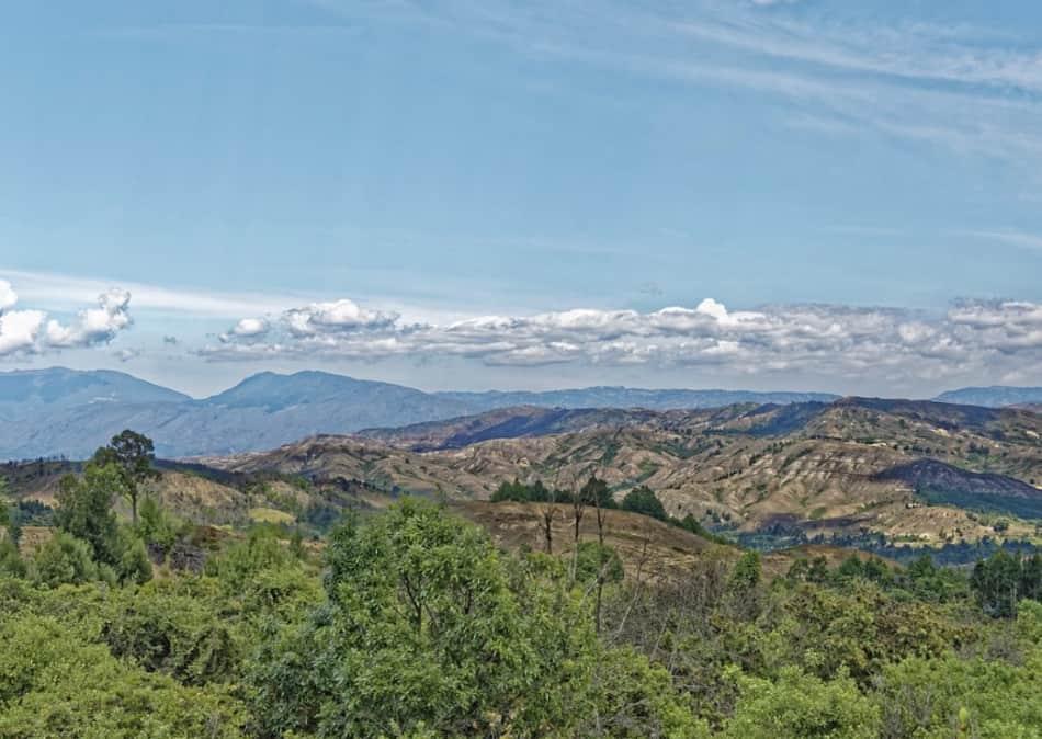 Lago Guatavita, situato sulla cordigliera andina 60 km a nord della capitale