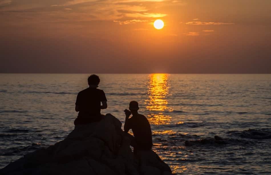 poi arriva l'estate e con lei arriva Mykonos
