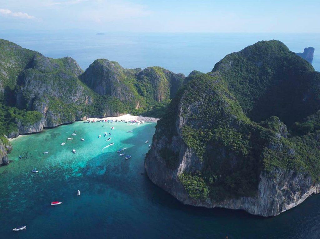 tra la giungla e il blu della Thailandia più vergine