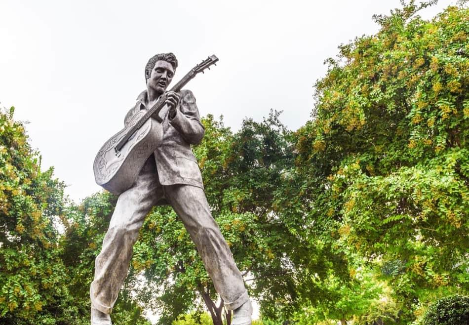 l'era e il mito di Elvis Presley,