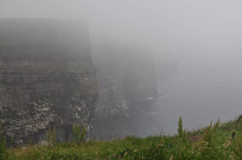 La nebbia cala e ci ingoia piano piano