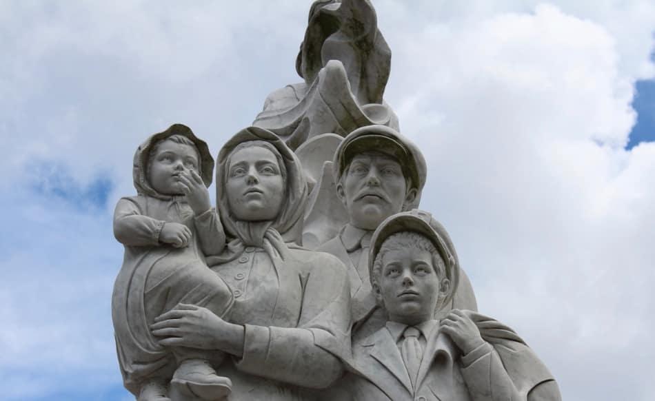 I pionieri del fiume, molti degli emigrati di domani
