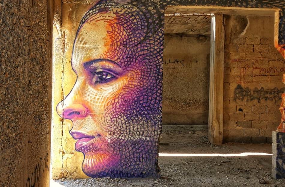 poeti che con facilità compongono versi o graffiti che celebrano la vita