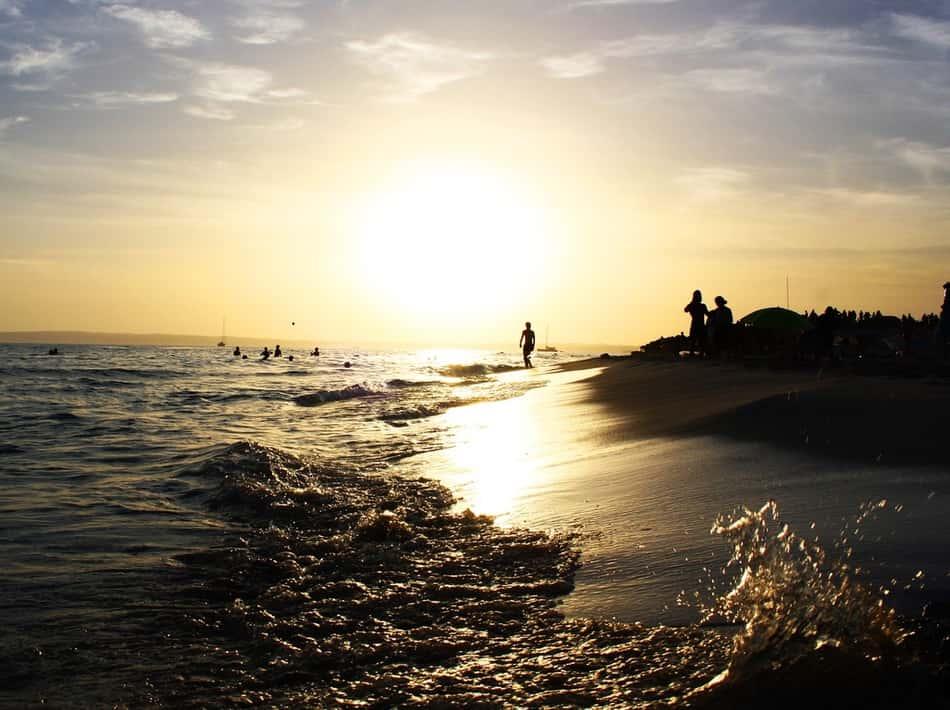 Formentera in ogni raggio di sole, in ogni aperitivo al tramonto