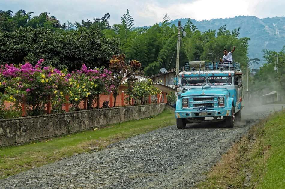 Un altro viaggio in bus verso l'inferno umido dell'Ecuador.