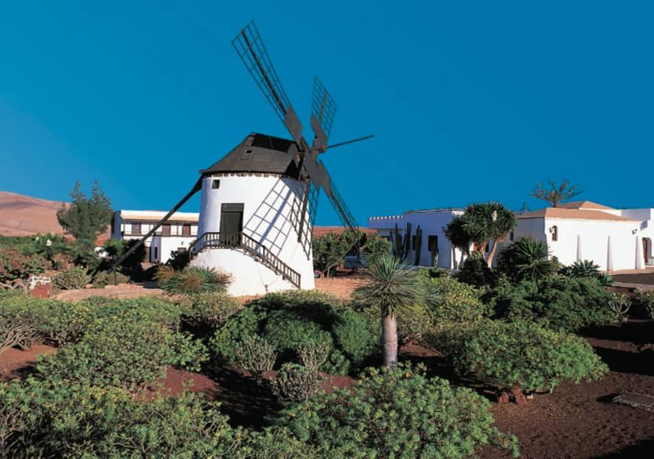 benedetta come un'oasi, spunta Betancuria, il villaggio più bello