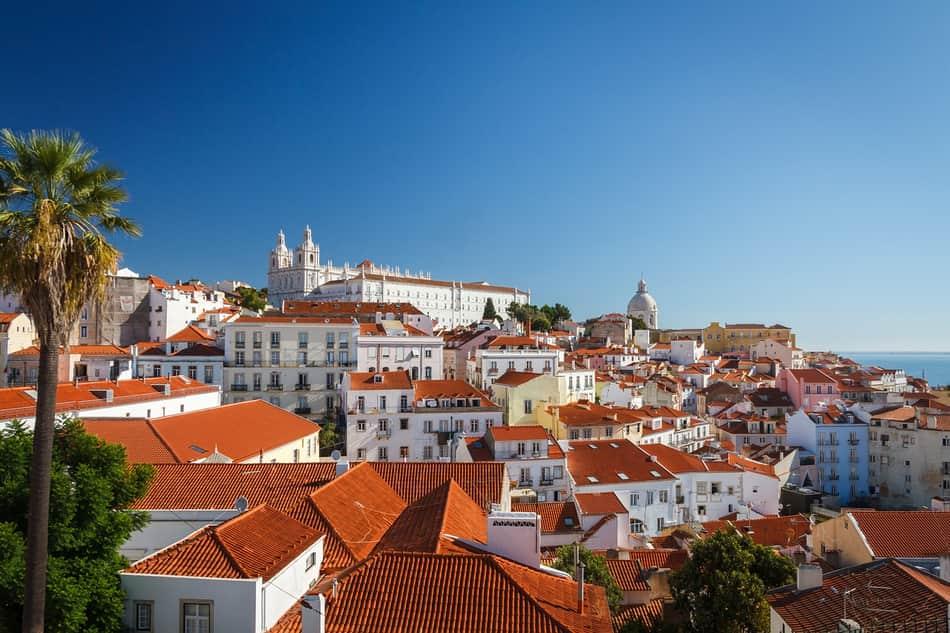 Lisbona è una capitale piccola e un po' decadente, ma sempre una capitale coloniale.