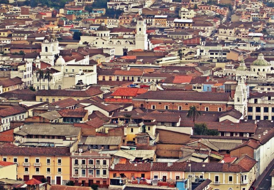 Quito da romantica diventa moderna nei quartieri in pianura