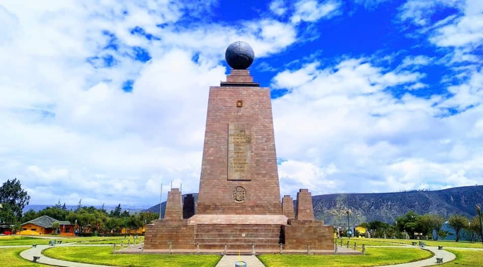 soprattutto il simbolico Monumento dell'Equatore