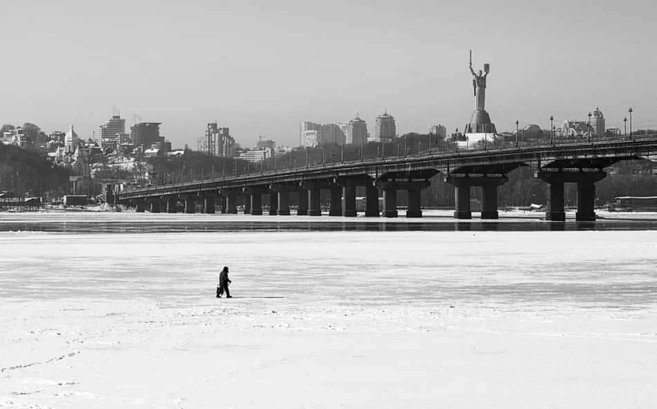 è una semplice isoletta che era stata abbandonata in mezzo al fiume di Kiev, il Dnepr