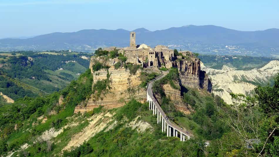 La prima tappa fu Civita di Bagnoregio, in provincia di Viterbo