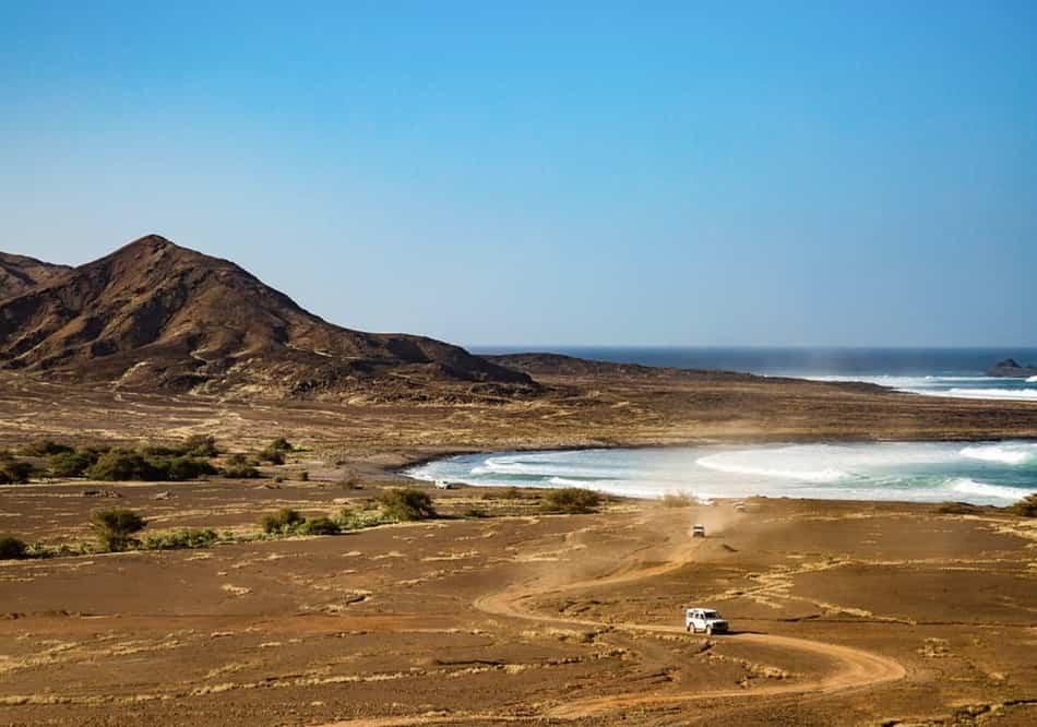 Dal paesino di Pedra de Lume l'arrivo alle saline è quanto di più avventuroso e scenografico si possa immaginare