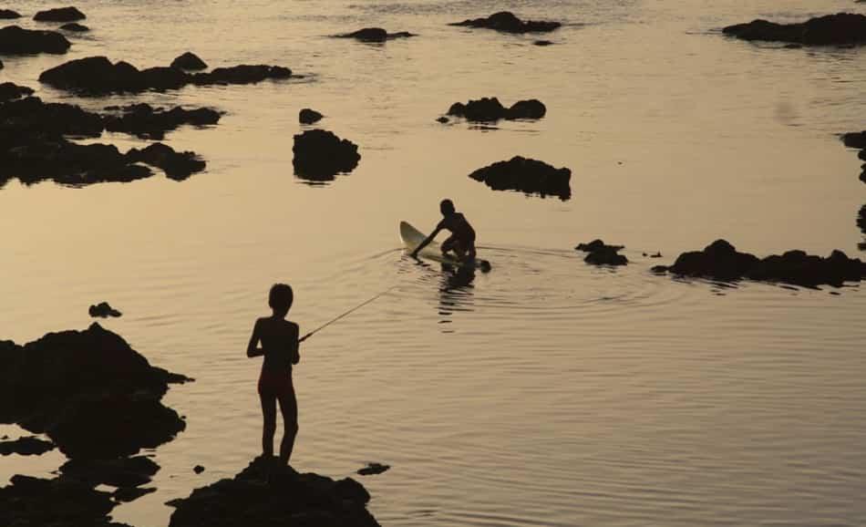 Tra saudade, oceano, sole, sale, vento, pesca, cucina e balli creoli