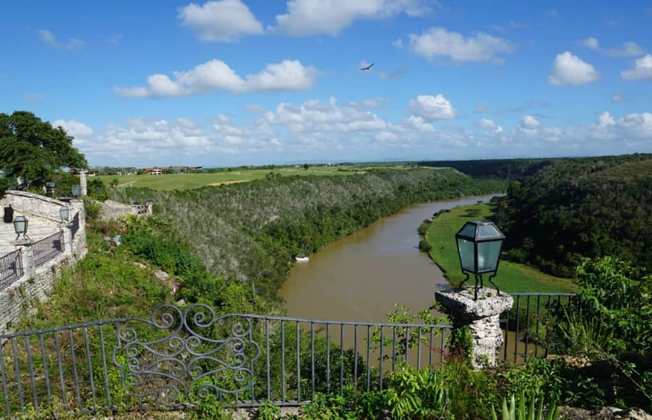 """la vista panoramica sul fiume Chavòn, quello dove hanno girato la scena iniziale degli elicotteri in """"Apocalypse now""""."""