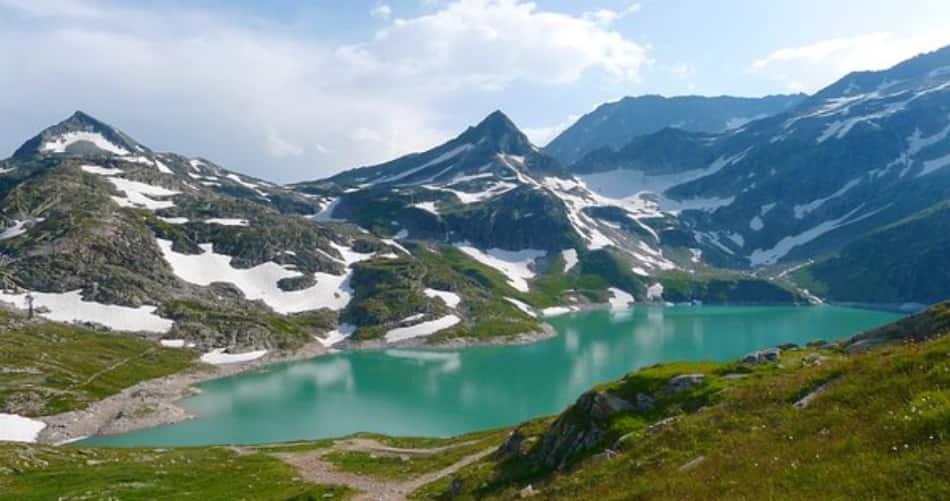 Anche quella dedicata a un interminabile campo da sci. Guten Morgen, Austria Felix.